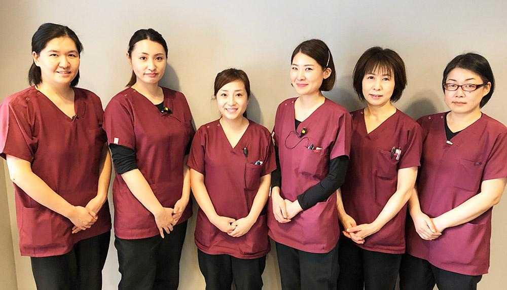 口腔内ケアのプロ「歯科衛生士」が多数在籍しております。